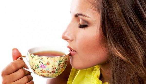 ромашковый-чай-для-женщин