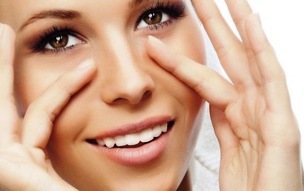 убрать морщины вокруг глаз в домашних условиях