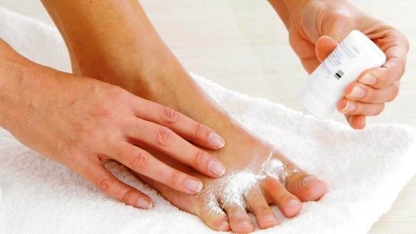 как быстро избавиться от запаха ног