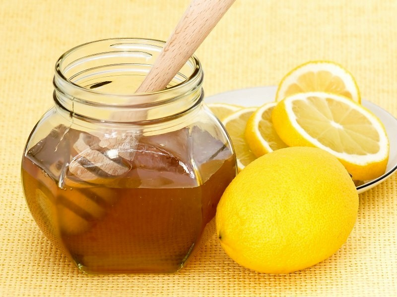 мёд лимон для приготовления домашней отбеливающей маски