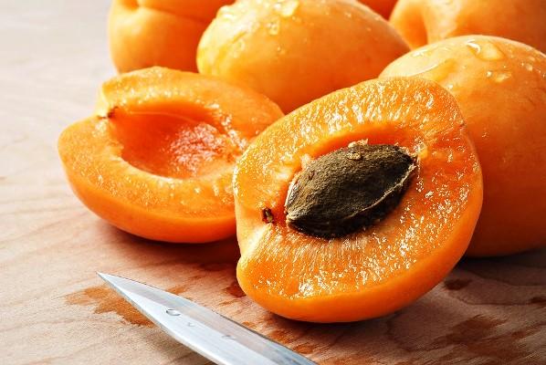 абрикосовые косточки состав польза