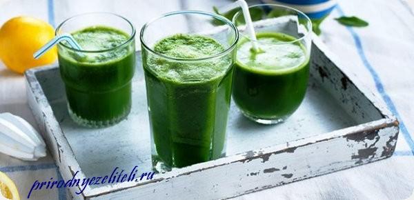 сок лопуха в стаканах целебный напиток для здоровья