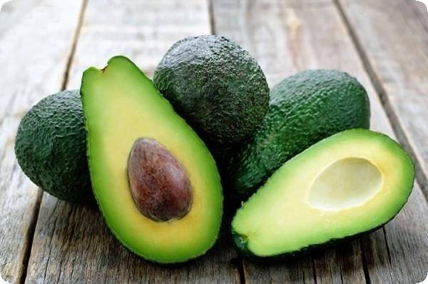 авокадо фрукт в разрезе косточка