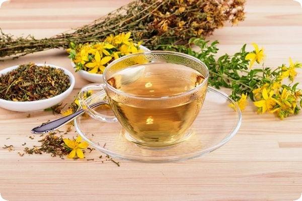 чай с травой зверобой